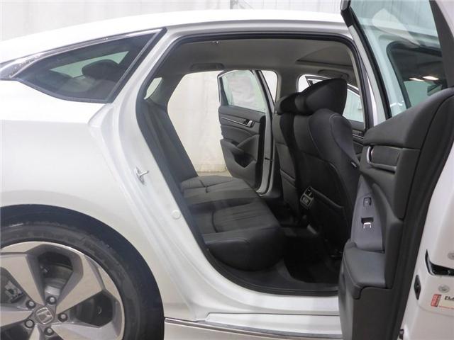 2018 Honda Accord Touring (Stk: 1844018) in Calgary - Image 15 of 19