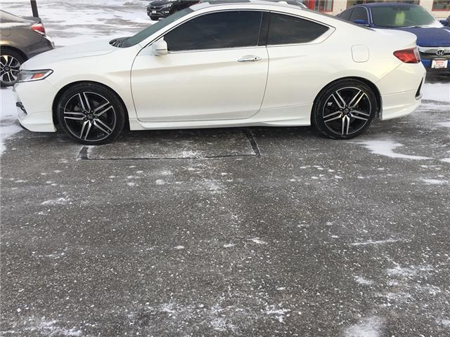 2017 Honda Accord Touring (Stk: U17205) in Barrie - Image 2 of 16