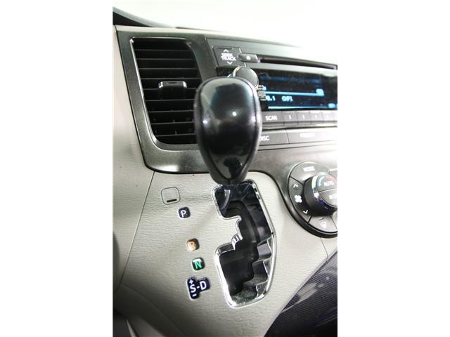 2014 Toyota Sienna SE 8 Passenger (Stk: M12419A) in Toronto - Image 17 of 27