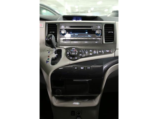2014 Toyota Sienna SE 8 Passenger (Stk: M12419A) in Toronto - Image 24 of 27
