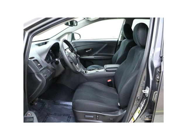 2015 Toyota Venza Base V6 (Stk: 176135) in Kitchener - Image 2 of 20