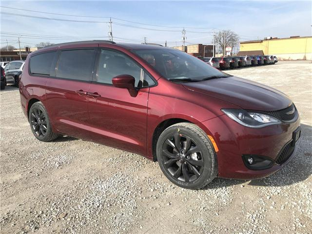 2019 Chrysler Pacifica Touring Plus (Stk: 19446) in Windsor - Image 1 of 11