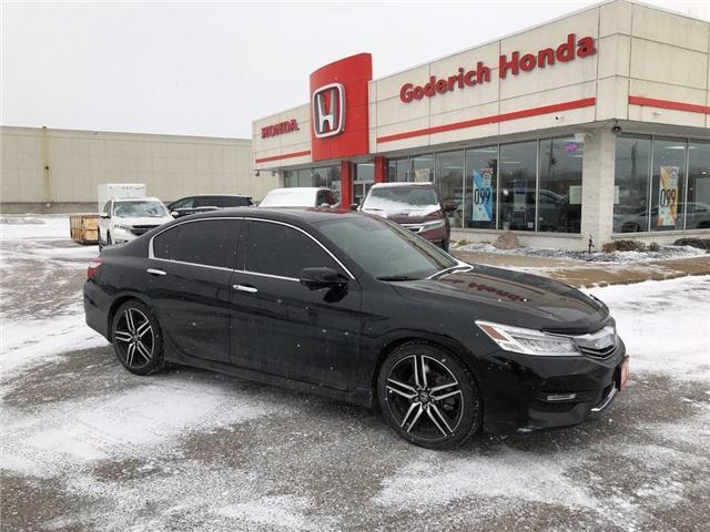2017 Honda Accord Touring (Stk: U15718) in Goderich - Image 1 of 17