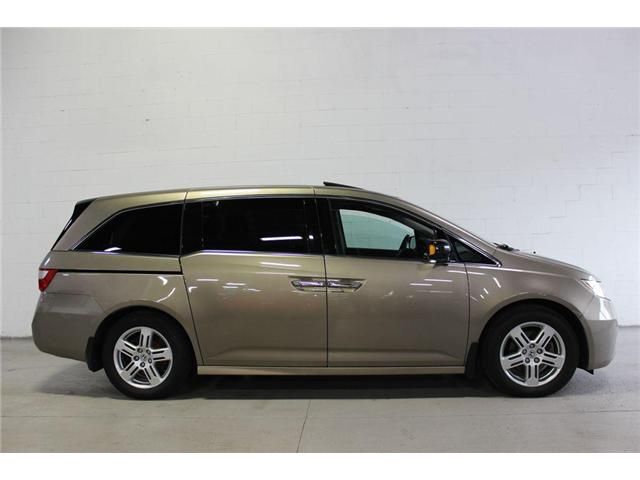 2011 Honda Odyssey Touring (Stk: 504935) in Vaughan - Image 2 of 30