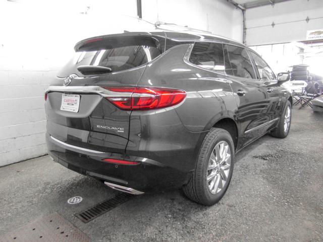 2018 Buick Enclave Premium (Stk: E8-93930) in Burnaby - Image 3 of 8