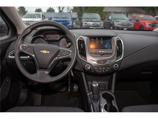 2017 Chevrolet Cruze LT Auto (Stk: P9717) in Surrey - Image 13 of 25