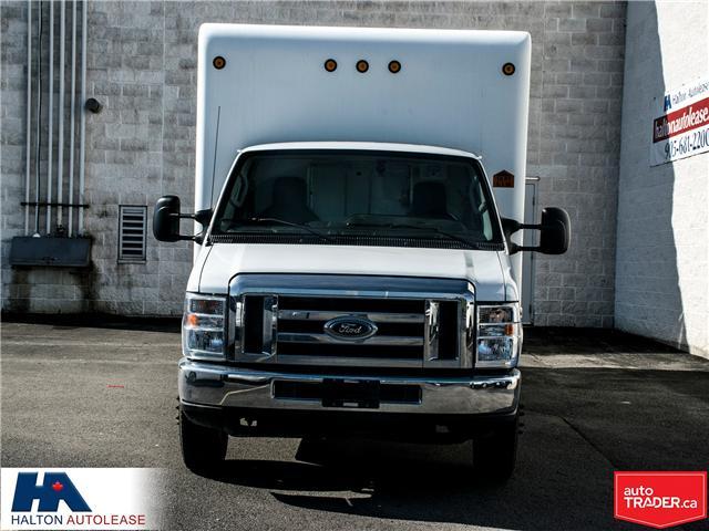 2012 Ford E-450 Cutaway Base (Stk: 310016) in Burlington - Image 2 of 13