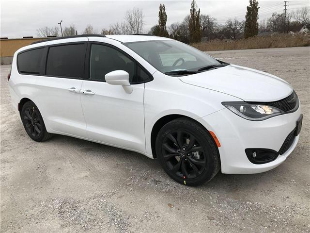 2019 Chrysler Pacifica Touring-L (Stk: 19456) in Windsor - Image 1 of 11