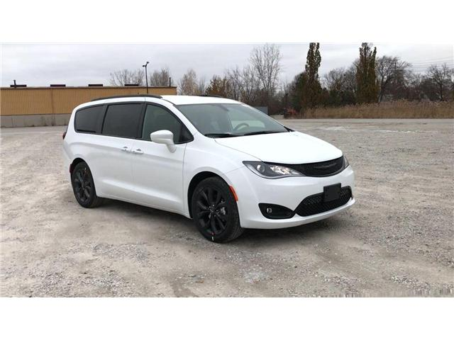 2019 Chrysler Pacifica Touring-L (Stk: 19456) in Windsor - Image 2 of 11