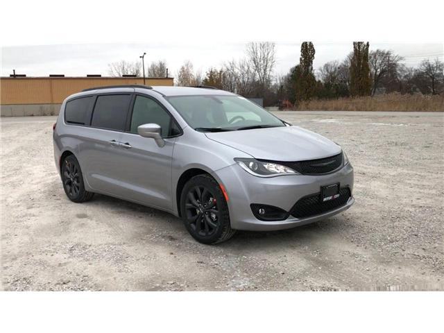 2019 Chrysler Pacifica Touring-L (Stk: 19448) in Windsor - Image 2 of 11