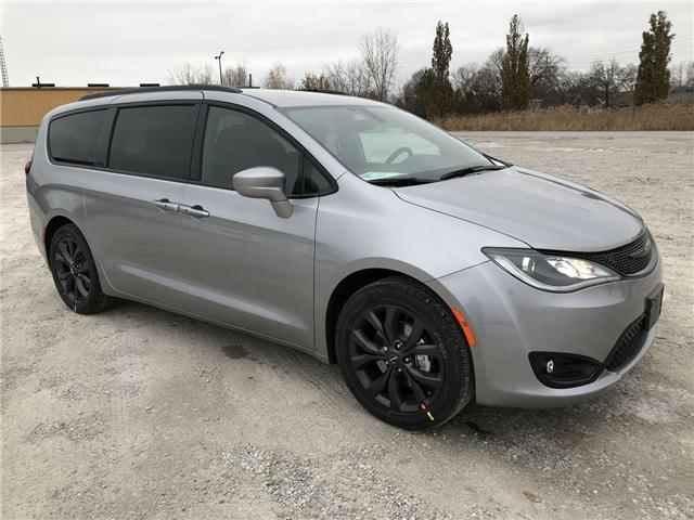 2019 Chrysler Pacifica Touring Plus (Stk: 19440) in Windsor - Image 1 of 11