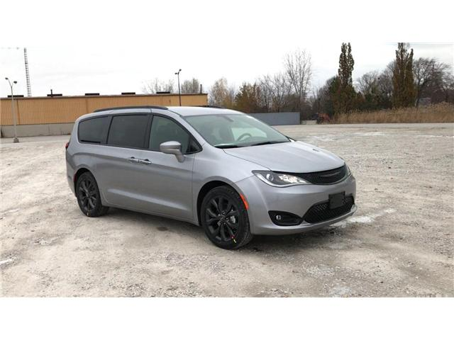 2019 Chrysler Pacifica Touring Plus (Stk: 19440) in Windsor - Image 2 of 11