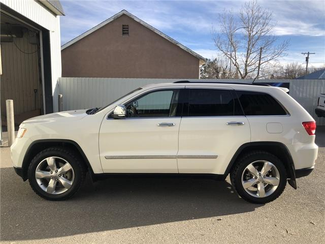 2012 Jeep Grand Cherokee Overland (Stk: 14131) in Fort Macleod - Image 2 of 24