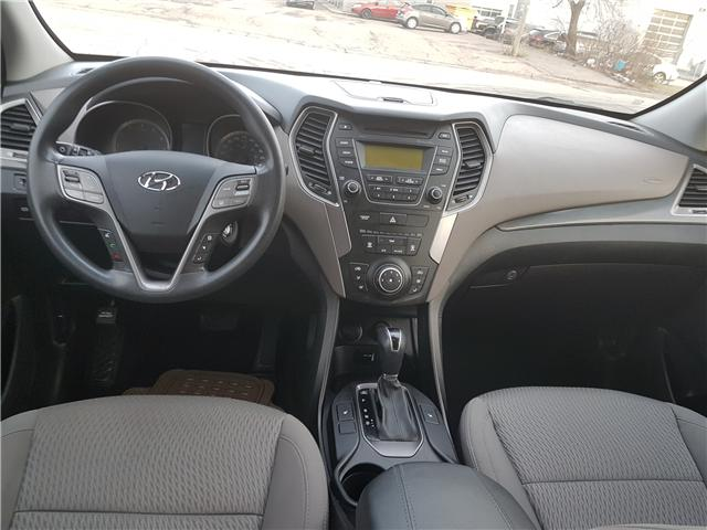 2016 Hyundai Santa Fe Sport 2.4 Base (Stk: 28240A) in Scarborough - Image 10 of 12