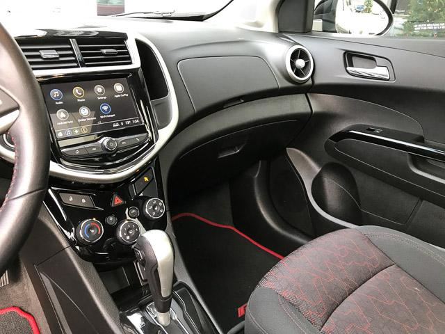 2018 Chevrolet Sonic LT Auto (Stk: 971530) in North Vancouver - Image 10 of 26