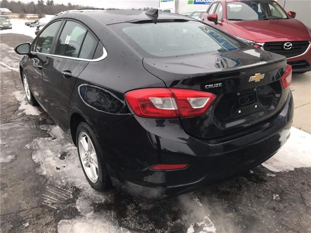 2017 Chevrolet Cruze LT Auto (Stk: 21551) in Pembroke - Image 3 of 11