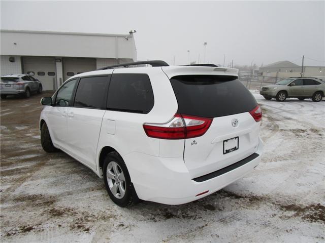 2017 Toyota Sienna 7 Passenger (Stk: 127082) in Regina - Image 2 of 36