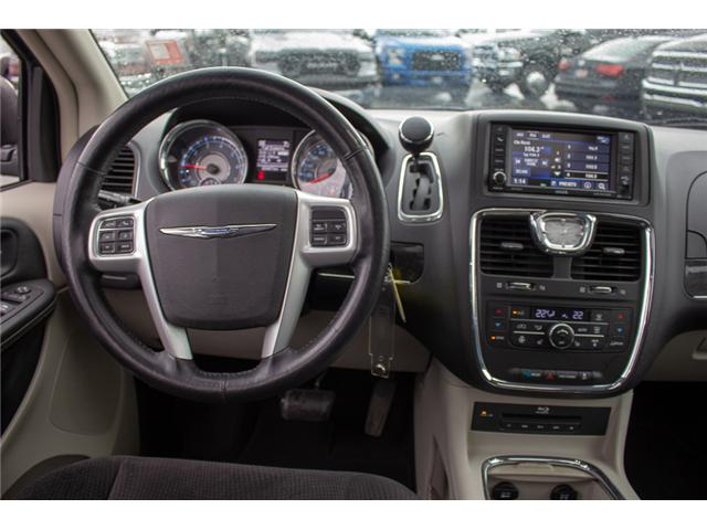 2014 Chrysler Town & Country Touring (Stk: EE898860A) in Surrey - Image 13 of 28