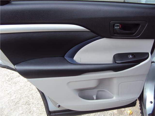 2015 Toyota Highlander LE (Stk: ) in Ottawa - Image 12 of 29