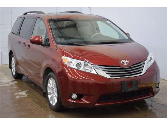 2014 Toyota Sienna XLE - LEATHER * HEATED SEATS * SUNROOF (Stk: B2947) in Cornwall - Image 2 of 30