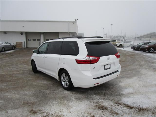 2017 Toyota Sienna LE 8 Passenger (Stk: 127087 ) in Regina - Image 2 of 33