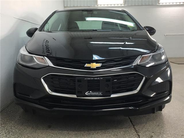 2018 Chevrolet Cruze LT Auto (Stk: 34009W) in Belleville - Image 4 of 29