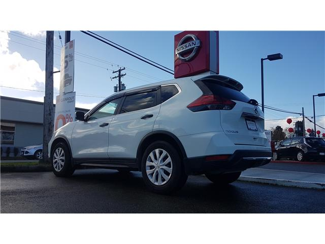 2017 Nissan Rogue S (Stk: 8M4405A) in Duncan - Image 2 of 3