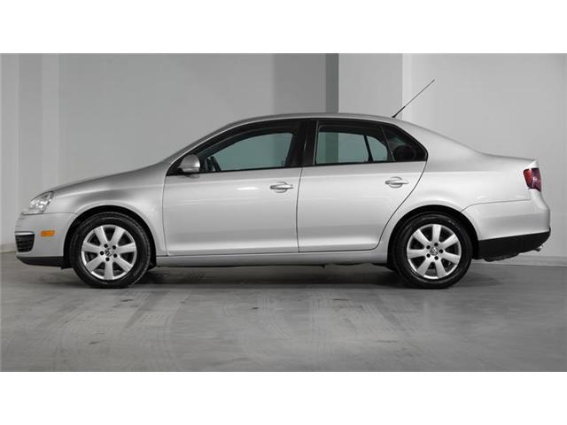 2010 Volkswagen Jetta 2.0 TDI Trendline (Stk: A7967A) in Newmarket - Image 2 of 16