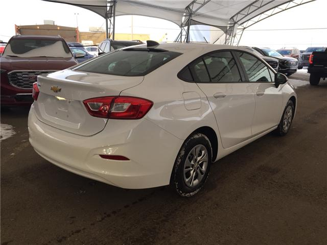 2019 Chevrolet Cruze LS (Stk: 170244) in AIRDRIE - Image 6 of 18