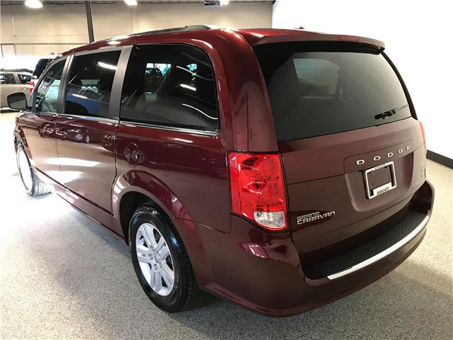 2018 Dodge Grand Caravan Crew (Stk: P11889) in Calgary - Image 5 of 14