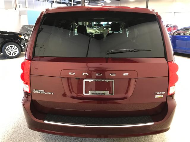 2018 Dodge Grand Caravan Crew (Stk: P11889) in Calgary - Image 6 of 14