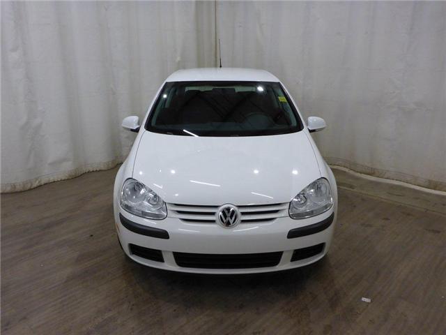2009 Volkswagen Rabbit 3-Door Trendline (Stk: 181129106) in Calgary - Image 1 of 25