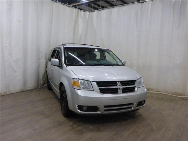 2009 Dodge Grand Caravan SE (Stk: 18120101) in Calgary - Image 1 of 27