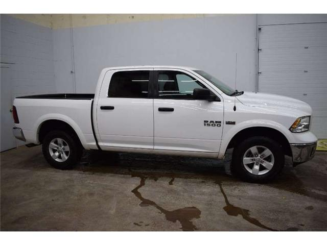 2018 RAM 1500 SLT 4X4 CREW CAB- TOUCH SCREEN * LOW KM * CRUISE (Stk: B2978) in Cornwall - Image 1 of 30