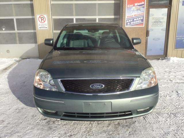 2005 Ford Five Hundred SEL (Stk: U-3677) in Kapuskasing - Image 2 of 8