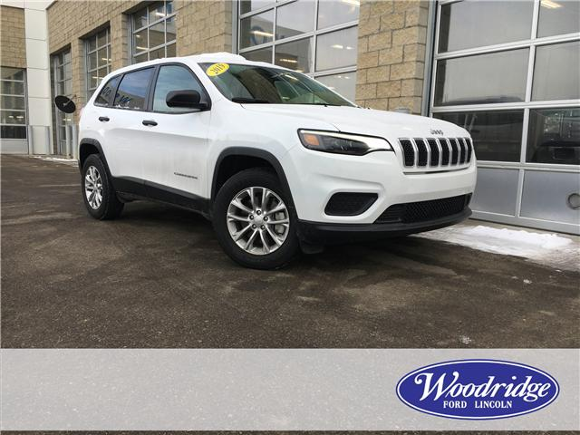 2019 Jeep Cherokee Sport (Stk: 17096) in Calgary - Image 1 of 21