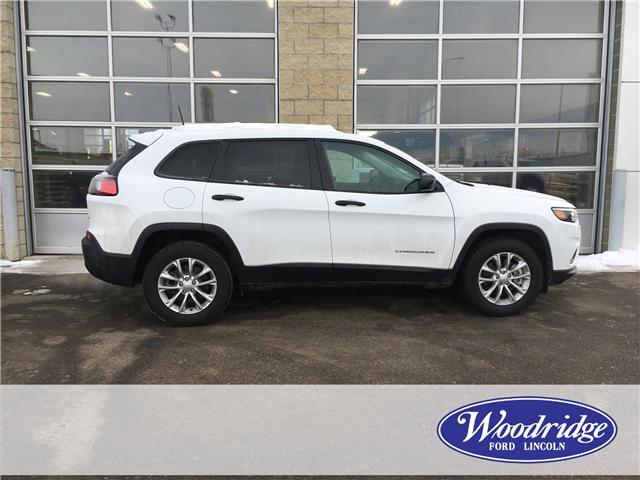 2019 Jeep Cherokee Sport (Stk: 17096) in Calgary - Image 2 of 21