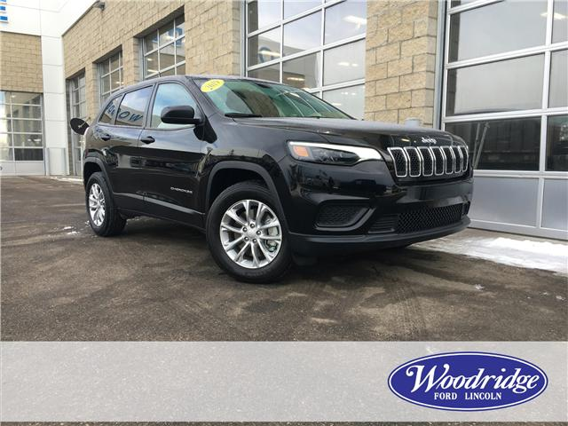 2019 Jeep Cherokee Sport (Stk: 17097) in Calgary - Image 2 of 22