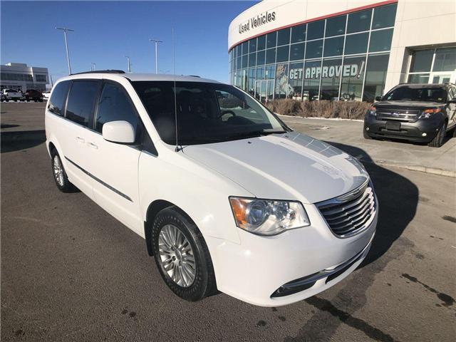 2016 Chrysler Town & Country  (Stk: 2900290A) in Calgary - Image 2 of 18