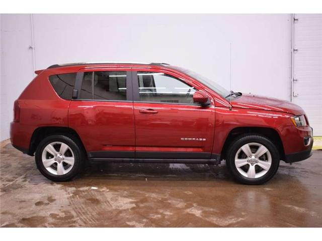 2017 Jeep Compass Sport 4x4- LEATHER * SUNROOF * SAT RADIO READY (Stk: B3012) in Cornwall - Image 1 of 30