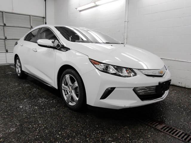 2019 Chevrolet Volt LT (Stk: V9-47990) in Burnaby - Image 2 of 12