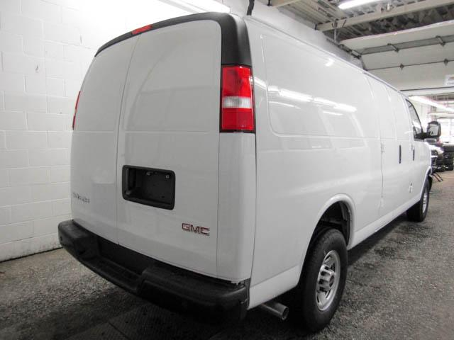 2018 GMC Savana 2500 Work Van (Stk: 88-92460) in Burnaby - Image 3 of 14