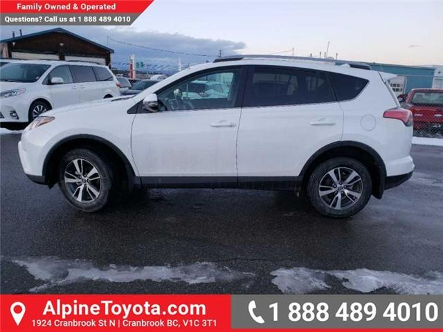2018 Toyota RAV4 LE (Stk: W854678) in Cranbrook - Image 2 of 16