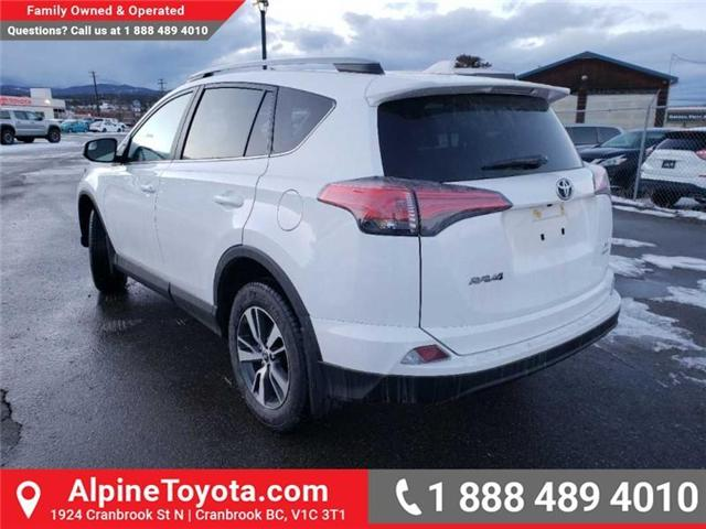 2018 Toyota RAV4 LE (Stk: W854678) in Cranbrook - Image 3 of 16