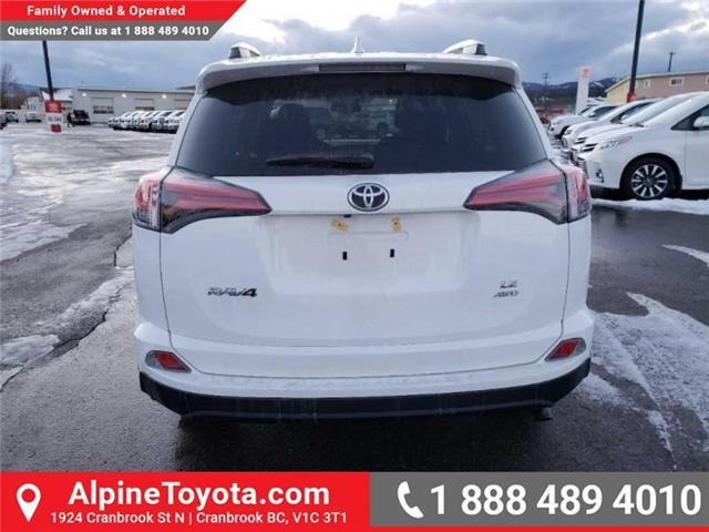 2018 Toyota RAV4 LE (Stk: W854678) in Cranbrook - Image 4 of 16
