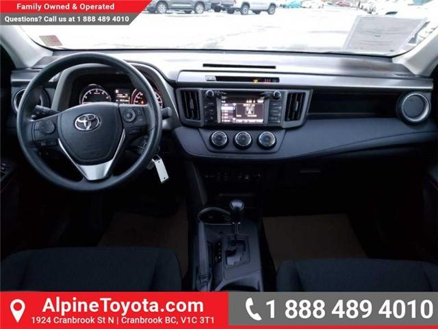 2018 Toyota RAV4 LE (Stk: W854678) in Cranbrook - Image 10 of 16