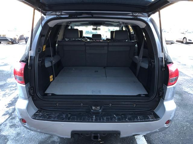 2010 Toyota Sequoia Limited 5.7L V8 (Stk: 1088) in Halifax - Image 27 of 29