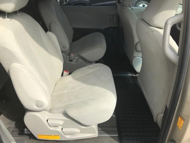 2013 Toyota Sienna V6 7 Passenger (Stk: 1024) in Halifax - Image 17 of 19