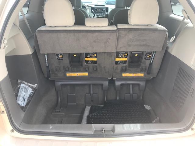 2013 Toyota Sienna V6 7 Passenger (Stk: 1024) in Halifax - Image 18 of 19