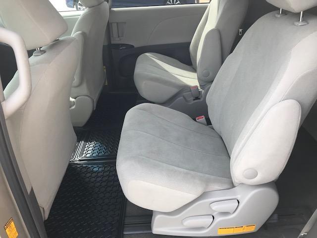 2013 Toyota Sienna V6 7 Passenger (Stk: 1024) in Halifax - Image 16 of 19
